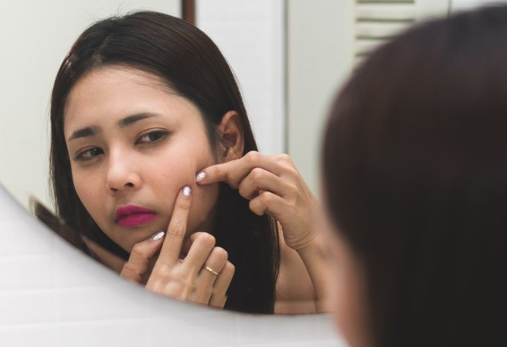 8 Skincare Mistakes That Are Making Your Pores Look Larger